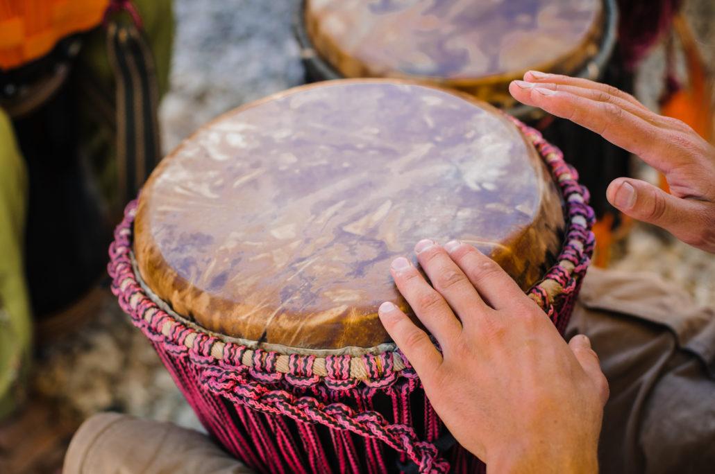 Afrikansetrommer- djembekurs, djembe lærer, afrikanske trommer undervisning, lære å spille djembe