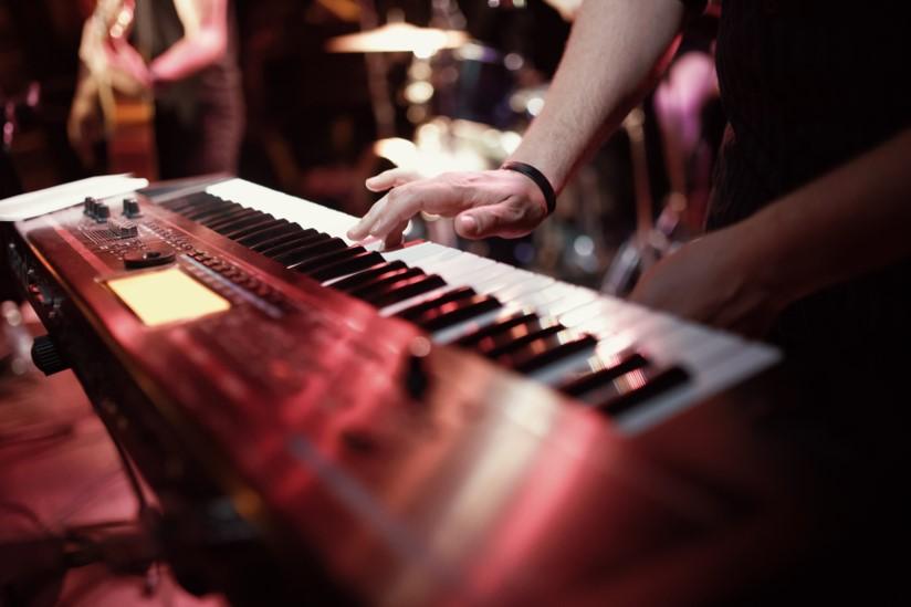 Keyboardsundervisning, keyboardstimer, keyboardskurs, keyboardslærer, lære å spille keyboards, musikk og kulturskole i Oslo og Bærum, barn ungdom og voksne