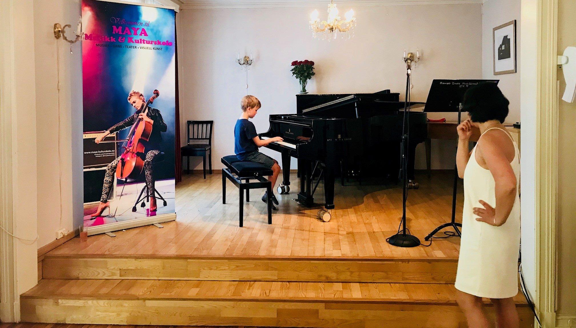 Pianoundervisning, pianotimer, pianokurs, pianolærer, lære å spille piano, musikk og kulturskole i Oslo og Bærum, barn ungdom og voksne